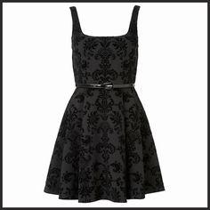 Brokar desenin ihtişamlı etkisi şıklık vadediyor. http://www.forevernew.com.tr/elbise/jdcz0969-harper-flocked-scuba-dressblack_487_34500