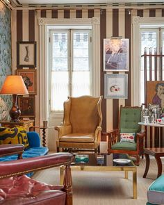 In celebration of their new collaboration with interior designerMiles Redd, Ballard Designs has published a home tour of the decorator's New York townhouse and I though you'd like to see. While much remains the same, the home has certainly evolved over the years and I love seeing what Miles has moved here and there. The …