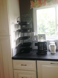 Cast Iron Pans Home storage display