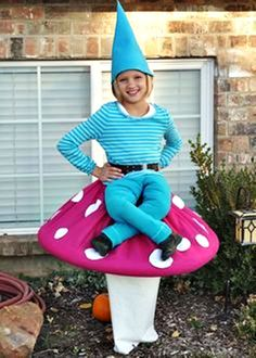 15 Coolest DIY Halloween Girls Costumes — Part 2 - - Has your daughter told you what she wants to be for Halloween yet? If not, you need to check out this list of the 15 Coolest DIY Halloween Girls Costumes — Part Darn, wish I had a GIRL! Diy Halloween Costumes For Girls, Homemade Halloween, Diy Costumes, Halloween Kids, Halloween Party, Costume Ideas, Halloween Stuff, Funny Costumes For Kids, Halloween Makeup