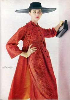 Coat and dress by Claire McCardell, photo Karen Radkai for Vogue May 1956 Vintage Fashion 1950s, Fifties Fashion, Vintage Couture, Vintage Vogue, Vintage Glamour, Retro Fashion, Womens Fashion, Vestidos Vintage, Vintage Dresses