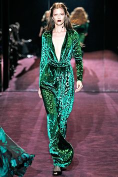 Gucci A/W 12-13 MFW The regent yet elegance of this emerald green silk velvet is staggeringly beautiful