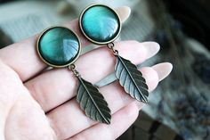 small bronze leaf Plugs #732