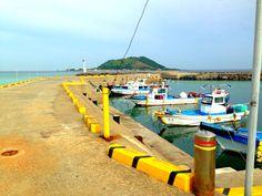 협재해수욕장.  Hyeobjae beach.  Can the color of ocean be like this?