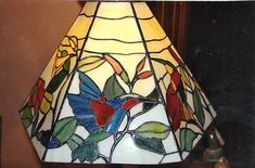 Imagen | Formato | talleresdeolga | Página 12 Stained Glass Lamps, Miniatures, Sparkle, Crafts, Painting, Home Decor, Glass Chandelier, Stained Glass, Glass Art