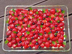 Erdbeerkuchen mit Vanillepudding, ein schönes Rezept mit Bild aus der Kategorie Kuchen. 121 Bewertungen: Ø 4,5. Tags: Backen, Frühling, Kuchen, Sommer
