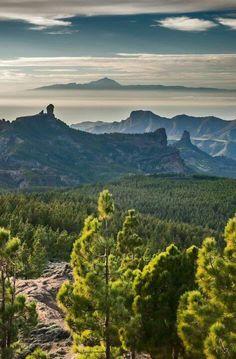 Canarias. Tenerife y el Teide en el horizonte, visto desde Las Palmas de Gran…