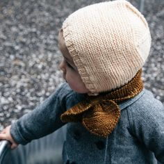 Good morning! Isn't this lovely? Photo from the wonderful @ledansla ❤️ #mishaandpuff beach walk bonnet and sledding scarf. We still have a few of these left in the shop (but they are going quick!) http://ift.tt/12E6GJi