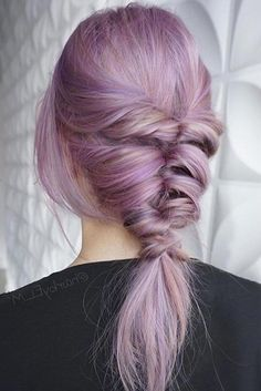 Trendy Hairstyles for Medium Length Hair You Will Love ★ See more: http://glaminati.com/hairstyles-for-medium-length-hair/