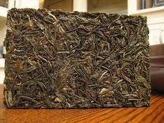 Zhuan cha - Brick - Zhuan cha, Dadugang 2006 raw pu-erh zhuancha.- Zhuānchá - A thick rectangular block of tea, usually in 100g, 250g, 500g and 1000g sizes; Zhuancha bricks are the traditional shape used for ease of transport along the ancient tea route by horse caravans.