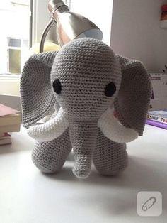 amiguurmi oyuncak fil nasıl örülür merak edenler toplansın, anlatmlı tarifi 10marifet.org'da. Sihirli halka içine 6 sık iğne (6) Her bir sık iğne içine çift sık iğne X 6 kere (12)