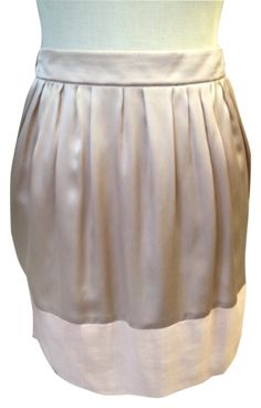 "Chlo Chloe Silk Sz M Skirt. Free shipping and guaranteed authenticity on Chlo Chloe Silk Sz M Skirt at Tradesy. NWT such a beautiful and ""CHIC"" silk skirt Waist ..."