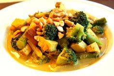 Thai Yellow Curry with Veggies, Cashews and Tofu