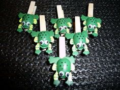 Fun Frog Mini Wooden Clothes Pegs  set of 6 by niknaxbyArlana, $3.00