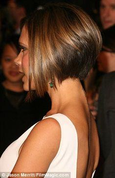 Has Cheryl Fernandez-Versini copied Victoria Beckham's hairdo? Stacked Bob Hairstyles, Short Bob Haircuts, Short Hair With Layers, Short Hair Cuts, Victoria Beckham Short Hair, Victoria Beckham Hairstyles, Medium Hair Styles, Curly Hair Styles, Hair Dos