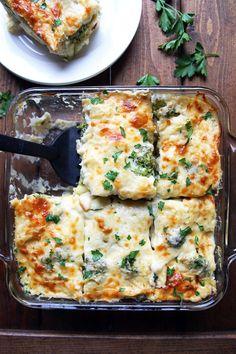 Cheesy baked tortellini and broccoli with creamy cauliflower sauce