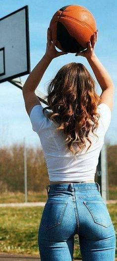 Superenge Jeans, Sexy Jeans, Denim Attire, Cute Cowgirl Outfits, Looks Pinterest, Perfect Jeans, Cute Girl Photo, Just Girl Things, Girls Jeans