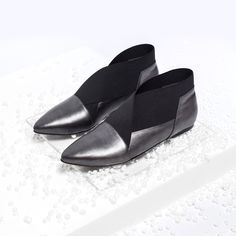 The silver gray Xaria adds an extra shine to your look. The elastic turning into a form of an X ensure,that this pair of shoes is not only graceful, but comfortable too. Slippers, Loafers, Pairs, Flats, Shoes, Products, Fashion, Clothing, Travel Shoes