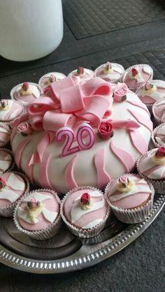 Taart en cupcakes dochter 20 jaar