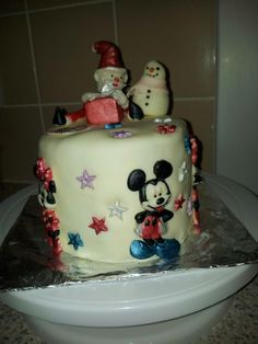 girls Christmas cake
