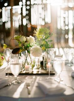 Pretty and subtle table arrangements