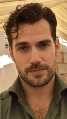 Calling All Cavillians — 🎉Happy Birthday to Henry Cavill! Henry Caville, Love Henry, King Henry, Handsome Men Quotes, Handsome Arab Men, Handsome Celebrities, Scruffy Men, Beautiful Women Quotes, Beautiful Tattoos For Women