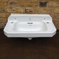 http://www.salvo.co.uk/images/userimgs/269/Armitage-wash-basin_90325_1.jpg