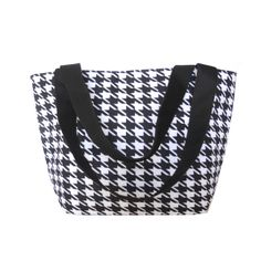 Great Classic Houndstooth insulated lunch bag. So roomy, perfect for the Summer.