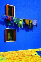 Laundry Between the Windows by Photos and Art: Donna Corless #EasyNip