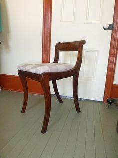 Dresser Or Vanity Chair