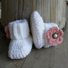 Crochet baby girl boots in oatmeal with by MalindasDesigns on Etsy