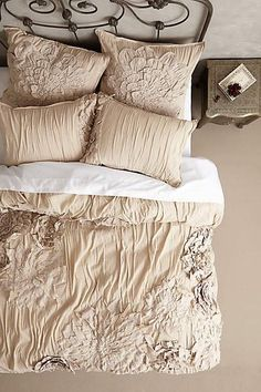 Anthropologie bedding is gorgeous, affordable and perfect for any bedroom. We have the scoop on trendy must have boho chic Anthropologie bedding on sale. Dream Bedroom, Home Bedroom, Bedroom Decor, Master Bedroom, Anthropologie Bedding, French Country Bedrooms, Suites, My New Room, Beautiful Bedrooms