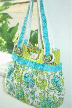 Free Bag Pattern and Tutorial - Gathered Bag