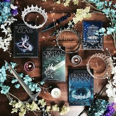 Did you see all the amazing cover reveals that have been happening in the last week? Do you have a fav cover? I am in love with so many of them but definitely one of my favs is Frozen Reign by This is the third and final book in the Ya Books, I Love Books, Good Books, Amazing Books, Fantasy Magic, Dark Fantasy, Book Aesthetic, Aesthetic Green, Beautiful Book Covers