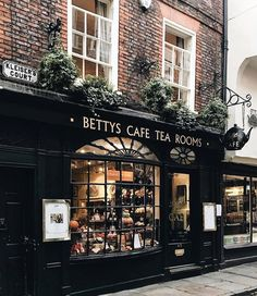 My Dream Coffee cafe/book store on We Heart It Restaurant Exterior Design, Cafe Exterior, Restaurant Door, Tea Cafe, Coffee Cafe, Cafe Concept, Book Cafe, Cafe Shop, Shop Fronts