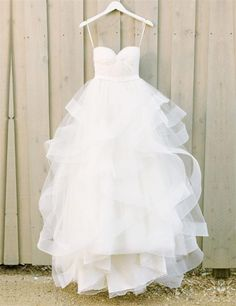 Modern Sweetheart Ruffles A-line Floor-length White Tulle Wedding Dresses