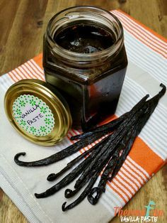 Looking for an amazing thermomix vanilla bean paste flavour bomb! Then this recipe is the one you need. Turn your ordinary baking into something that is so Mulberry Recipes, Spagetti Recipe, Szechuan Recipes, Bellini Recipe, Vanille Paste, Paste Recipe, Radish Recipes, Sweet Cooking, Vanilla