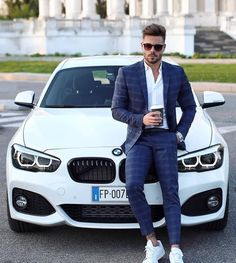 12 Perfect Men's Street Style To Try Now - Fashion Idea Mens Fashion Suits, Mens Suits, Stylish Men, Men Casual, Formal Men Outfit, Luxury Lifestyle Fashion, Designer Suits For Men, Retro Mode, Herren Outfit