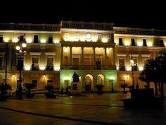 Foto nocturna del Ayuntamiento de Badajoz