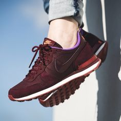 Nike WMNS Internationalist PRM (rot / lila) - 43einhalb Sneaker Store Fulda