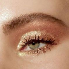 aesthetic makeup gold Eyes, make up, love , make up gold Beauty Make-up, Beauty Hacks, Hair Beauty, Vegan Beauty, Beauty Advice, Bridal Beauty, Beauty Style, Cute Makeup, Pretty Makeup