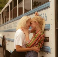 high school relationship goals on Instag - relationshipgoals Gay Aesthetic, Couple Aesthetic, Aesthetic Vintage, Cute Lesbian Couples, Lesbian Love, Want A Girlfriend, Vintage Lesbian, Vintage Couples, The Love Club