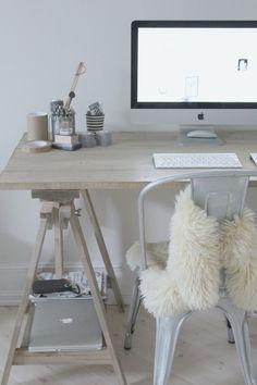 Creëer je eigen bureau met behulp van schragen Roomed   roomed.nl