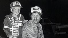 """1981. @Bristol Motor Speedway & Dragway driving for @Richard Childress Racing wrecked in pits, we watched the rest together""""@NascarMemories: I love this. pic.twitter.com/cnSkjZlDfo"""""""