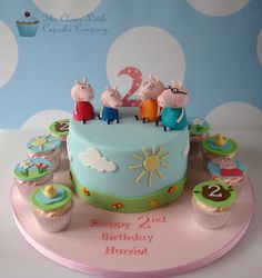 Peppa Pig Cake Ideas : Family Cake by The Clever Little Cupcake Company Bolo Da Peppa Pig, Peppa Pig Birthday Cake, Birthday Cake Girls, 3rd Birthday, Mini Tortillas, Peppa Pig Y George, Fantasy Cake, Pig Party, Novelty Cakes
