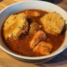 Chicken stew and sun free dumplings Vegan Slimming World, Slimming Eats, Slimming World Recipes, Healthy Eating Recipes, Diet Recipes, Cooking Recipes, Savoury Recipes, Healthy Food, Yummy Food