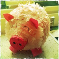 I wana make just so I can have a pigpiñata pig party