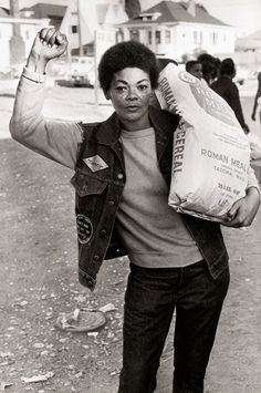 Free Food for the Community Programme, 1971, Oakland. Photograph by Stephen Shames
