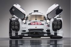 Porsche Unveils Mind-Blowing Details Of The Le Mans 919 Hybrid Racer (VIDEO)