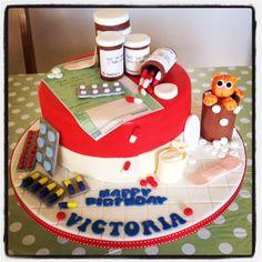 Pharmacist cake with birthday girls pet cat